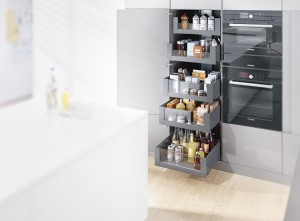 Blum_voorraadkast_Space_Tower_en_legrabox